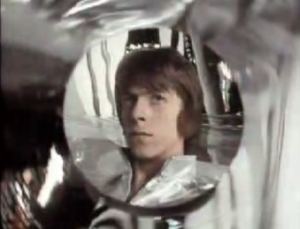 The 1969 Space Oddity video focuses on a narrative more so than its 1972 sucessor